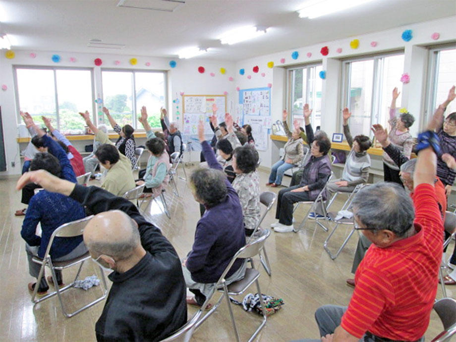 いきいき百歳体操の会場の様子(1)